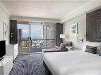 Deluxe River View Suite - Mantra on View Surfers Paradise