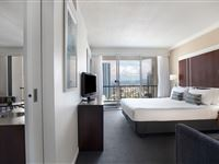 Ocean View King Suite - Mantra on View Surfers Paradise