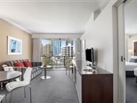 Ocean View Twin Suite - Mantra on View Surfers Paradise